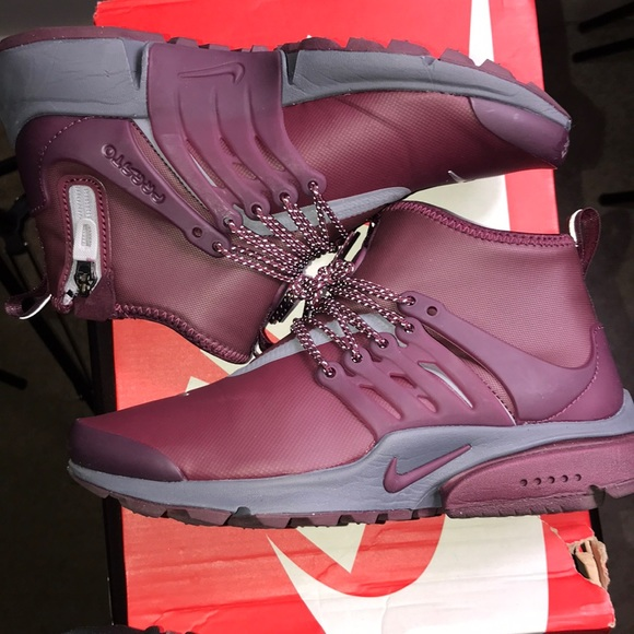 Nike Shoes - W Air Presto Mid Utility